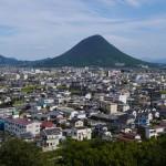丸亀城下町と山 - 2015/09/20 14:47